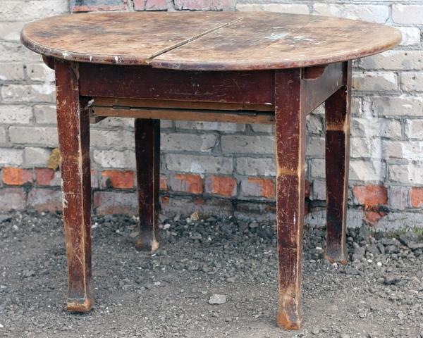 Вывоз старого стола, тумбы