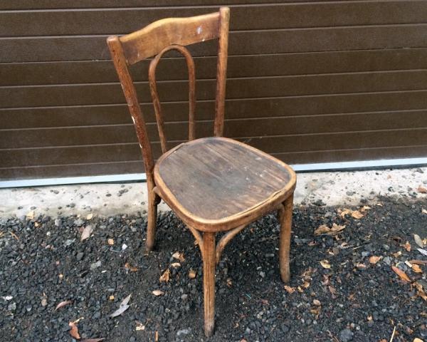 Вывоз старых стульев или кресел